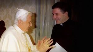 pablo con Benedicto XVI