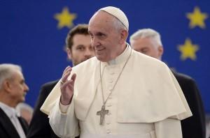 El-papa-Francisco-a-su-llegada_54420211605_53389389549_600_396
