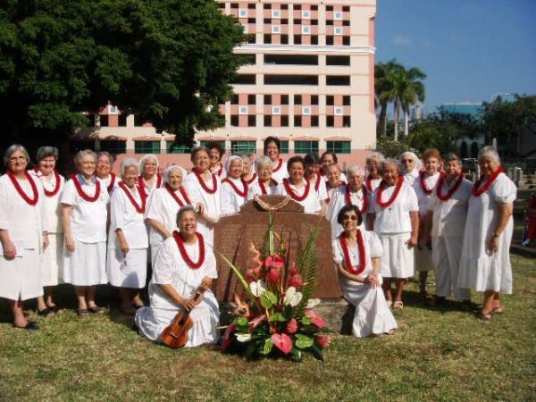 Hermanas de Hawai en aniversario