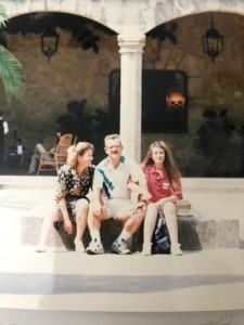 Un verano extremeño: Teo con Celia y Begoña