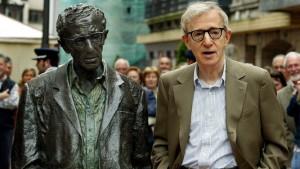 Woody-Allen-archivo-estatua-Oviedo_1448865570_118919319_667x375
